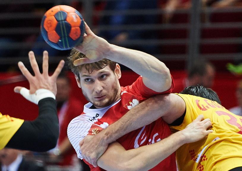 Robert Orzechowski w meczu z Hiszpanią /Fot. Adam Warżawa /PAP
