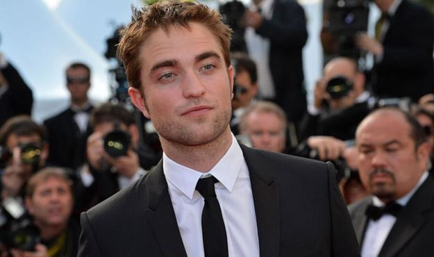 Robert Pattinson na festiwalu w Cannes /AFP