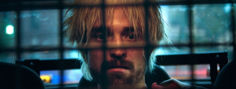 """Robert Pattinson w filmie """"Good Time"""" / Image Capital Pictures /Agencja FORUM"""