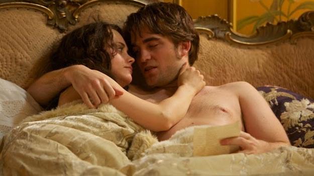 """Robert Pattinson w filmie """"Uwodziciel"""". W reklamówce Diora kobiet będzie aż 3! /materiały dystrybutora"""