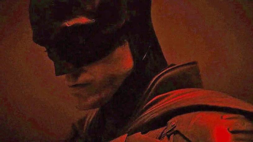 Robert Pattinson w roli Batmana /materiały prasowe