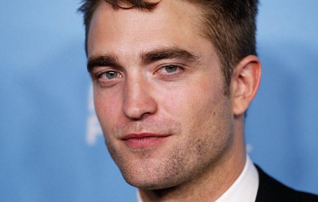 Kristen Stewart i Robert Pattinson oficjalnie spotykają się randkowe dzienniki