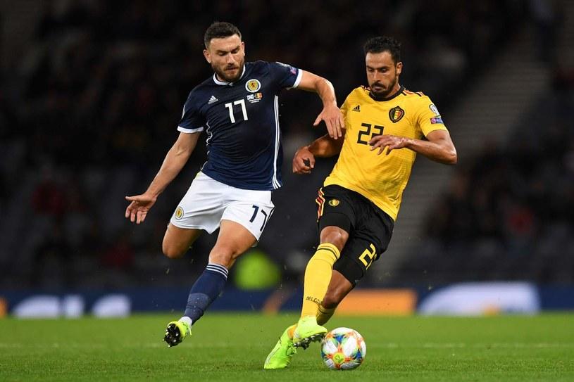 Robert Snodgrass (z lewej) w meczu reprezentacji Szkocji z Belgią /Andy Buchanan / AFP /AFP