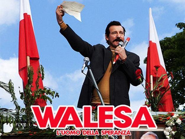 """Robert Więckiewicz na włoskim plakacie """"Wałęsy"""". /"""