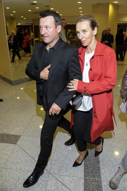 Robert Więckiewicz z żoną Natalią /Fot. Wojciech Strozyk /Reporter
