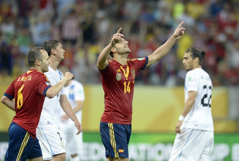 Roberto Soldado strzelił gola w meczu z Urugwajem /AFP