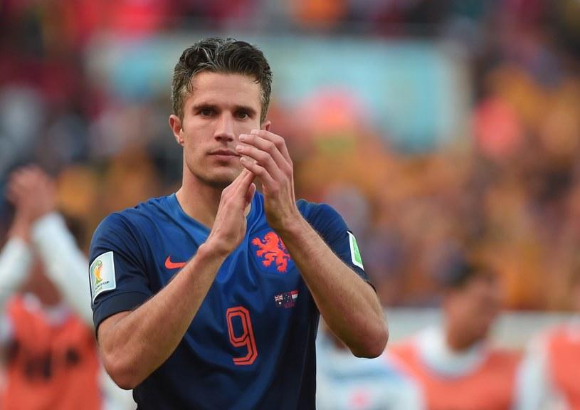 Robin van Persie nie zagra z Chile /AFP