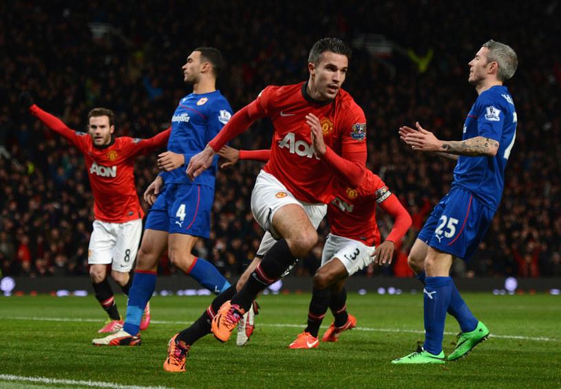 Robin van Persie z Manchesteru United po strzeleniu gola w meczu z Cardiff City /Michael Regan /Getty Images