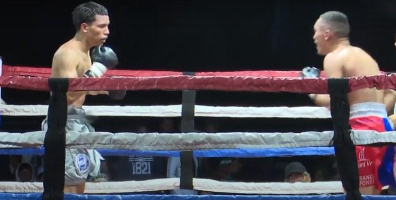 Robin Zamora w walce z Francisco Fonsecą /AFP