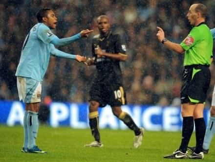 Robinho miał wiele pretensji do arbitra w czasie meczu z Tottenhamem /AFP