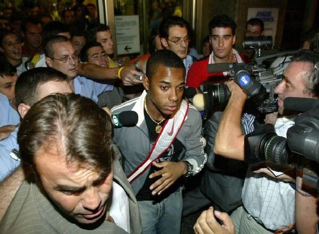 Robinho wylądował na lotnisku Malpensa w samo południe /AFP