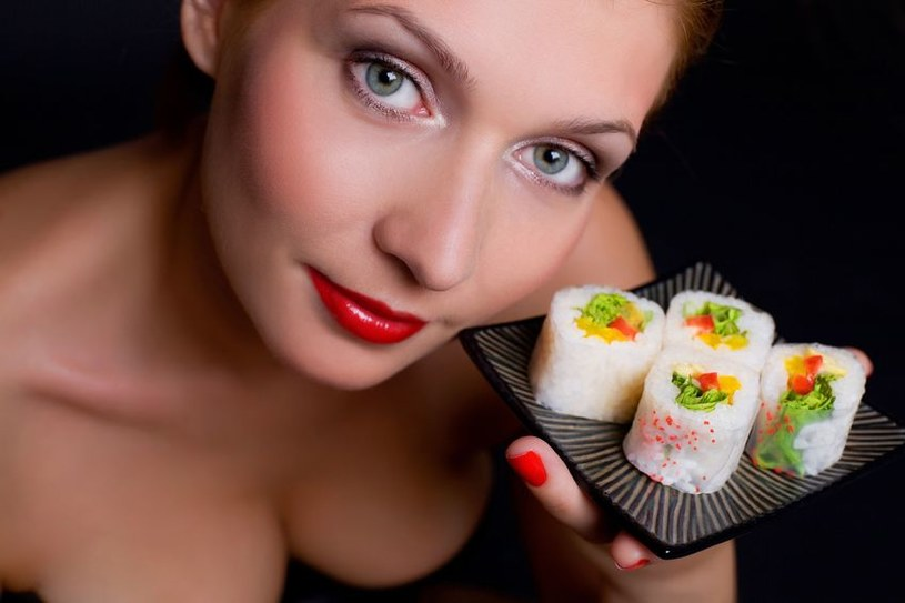 Robisz sushi? Za twoją usuge także Tobie może ktoś pomóc /123RF/PICSEL