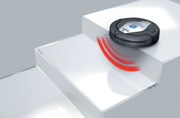 Robo.com2 RBC006 Hoover - jak nie spaść ze schodów? Niedługo u nas test konkurencji - Roomba 780 /materiały prasowe