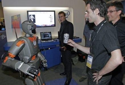 Robot - kompan do picia? /materiały prasowe