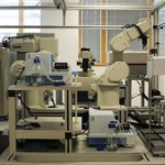 Robot-naukowiec opracowuje nowe leki
