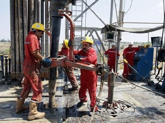 Robotnik na platformie wiertniczej zarabia 100 000 USD /AFP