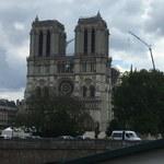 Roboty pracują wewnątrz paryskiej katedry Notre-Dame