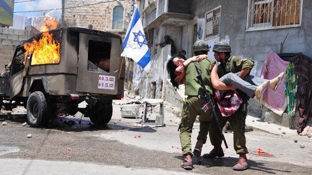 """""""Rock the Casbah"""": Izraelscy żołnierze, palestyńskie kobiety... /materiały dystrybutora"""