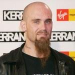 Rockman aresztowany: Przemoc domowa