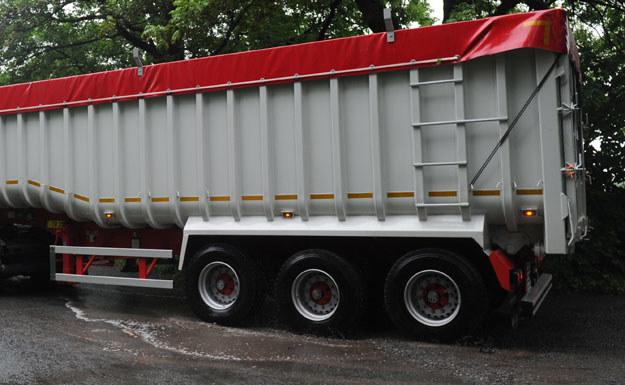 Roczne straty z powodu kradzieży towarów z ciężarówek szacuje się w Europie na ponad 8 mld euro (zdjęcie ilustracyjne) /AFP