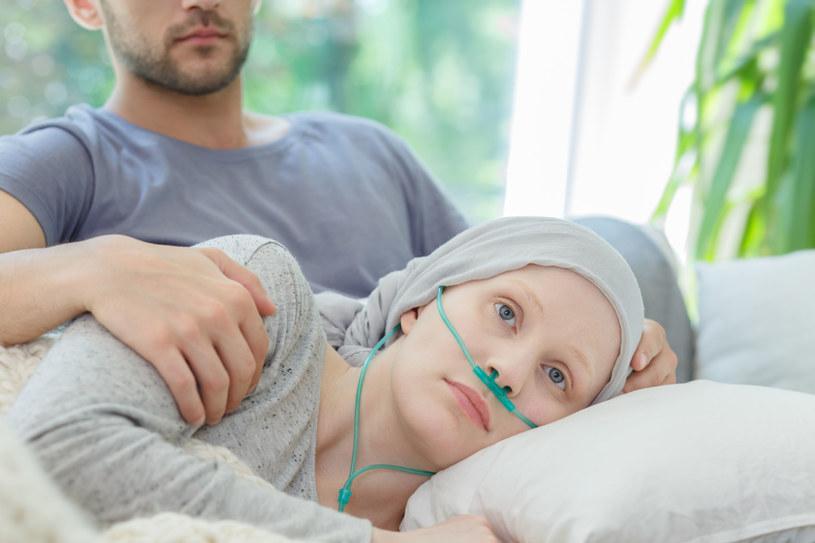 Rocznie ponad 800 chorych czeka na zgodnego niespokrewnionego Dawcę szpiku, który da im szansę na życie /123RF/PICSEL