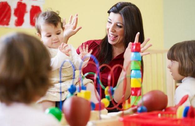 Rodzice będą płacić w Warszawie stawkę godzinową za opiekę nad dzieckiem w żłobku /© Panthermedia