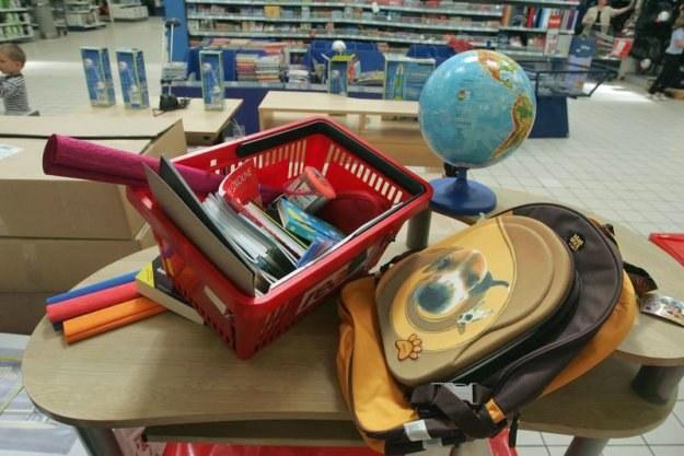 Rodzice już muszą się zastanawiać, jak sfinansować szkolne wydatki /fot. Cezary Pecold /Agencja SE/East News