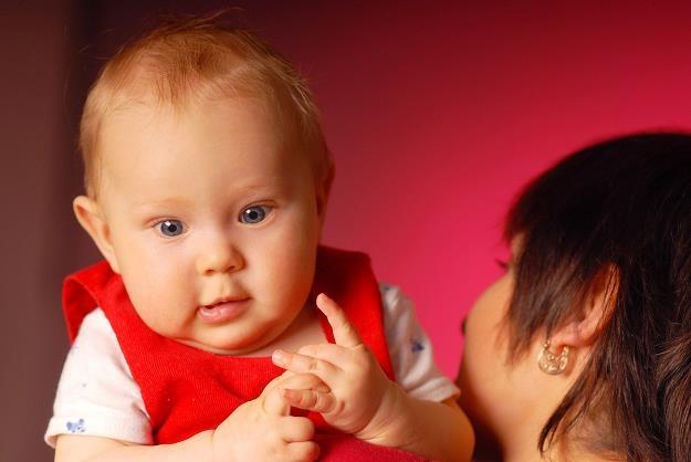 Rodzice masowo zgłaszają się po świadczenie /©123RF/PICSEL