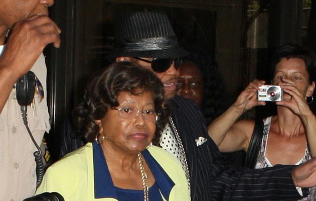 Rodzice Michaela Jacksona wychodzą z sądu  /Splashnews