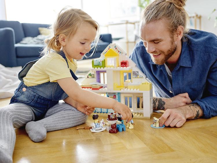 Rodzice mogą wykorzystać domek do opowieści o codziennych czynnościach /materiały prasowe