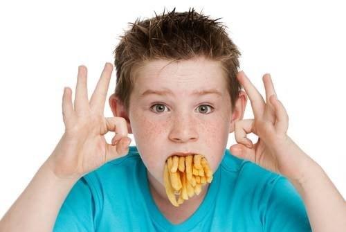 Rodzice nie dbają o dietę swoich dzieci? /East News