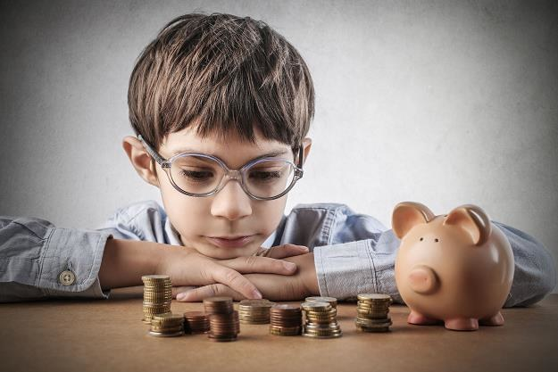 Rodzice nie edukują finansowo swoich dzieci /©123RF/PICSEL