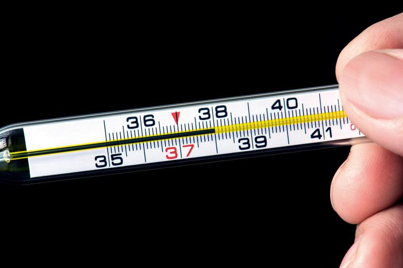 Rodzice oczekują stałego pomiaru temperatury ciała nauczycieli /123RF/PICSEL