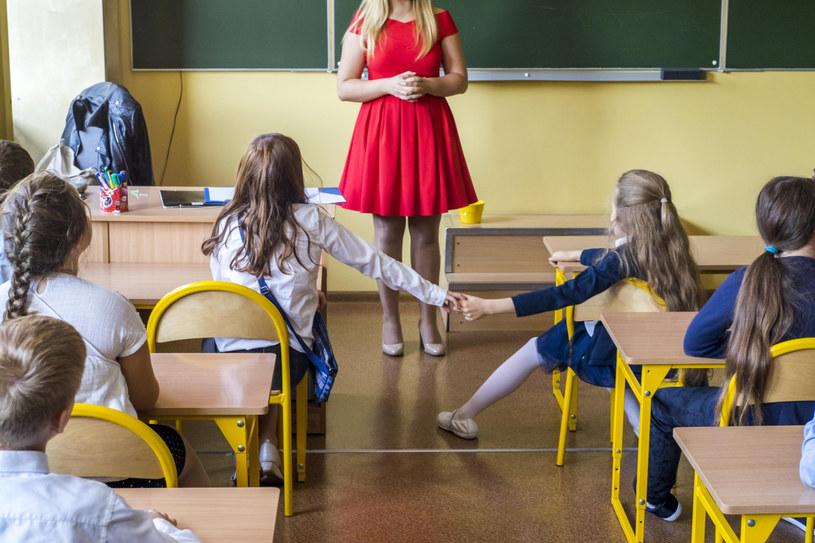 Rodzice uczniów klas I-III buntują się przed powrotem zdalnej nauki. Zdjęcie ilustracyjne. /Dawid Tatarkiewicz /East News