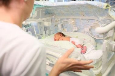 Rodzice wcześniaków będą szczepieni na Covid-19 w etapie zero. To dla nich furtka na oddział
