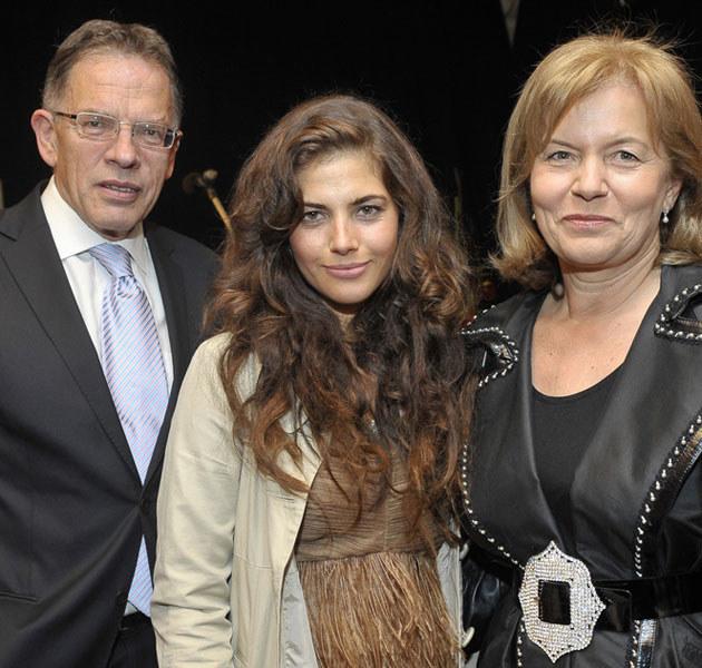 Rodzice wspierają Weronikę - ale emocjonalnie, nie finansowo... /Gałązka /AKPA