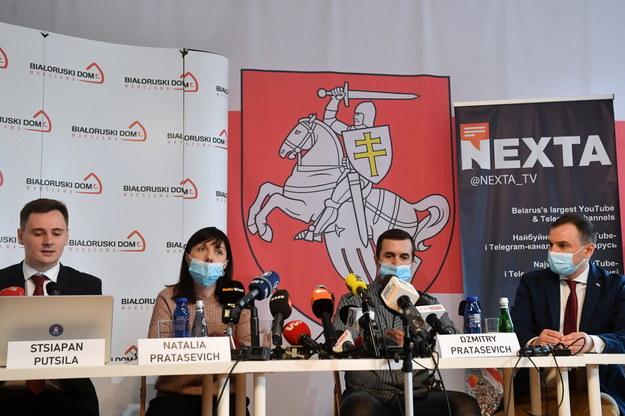 Rodzice zatrzymanego przez władze Białorusi byłego redaktora kanału NEXTA Ramana Pratasiewicza Natalia Pratasiewicz i Dzmitry Pratasiewicz /Radek  Pietruszka /PAP