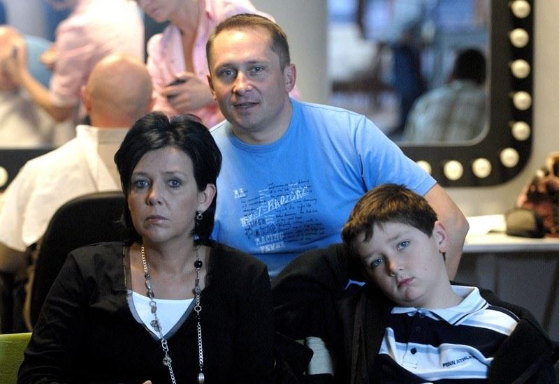 Rodzina Durczoków w komplecie. Ze swoim synem dziennikarz widuje się jedynie w weekendy i wakacje /East News