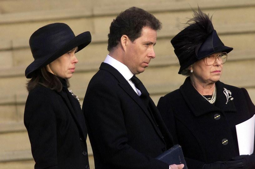 Rodzina królewska na pogrzebie księżniczki Małgorzaty w kaplicy św. Jerzego w zamku Windsor /Getty Images