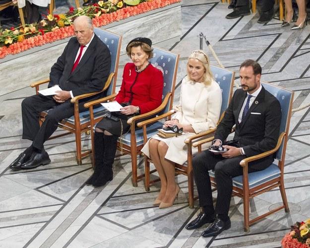 Rodzina królewska podczas ubiegłorocznej ceremonii wręczania Pokojowej Nagrody Nobla /PAP/EPA