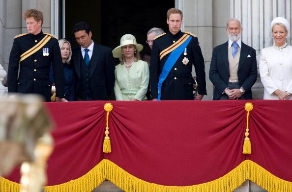 Rodzina królewska z Lady Daviną i jej mężem /Tim Graham /Getty Images