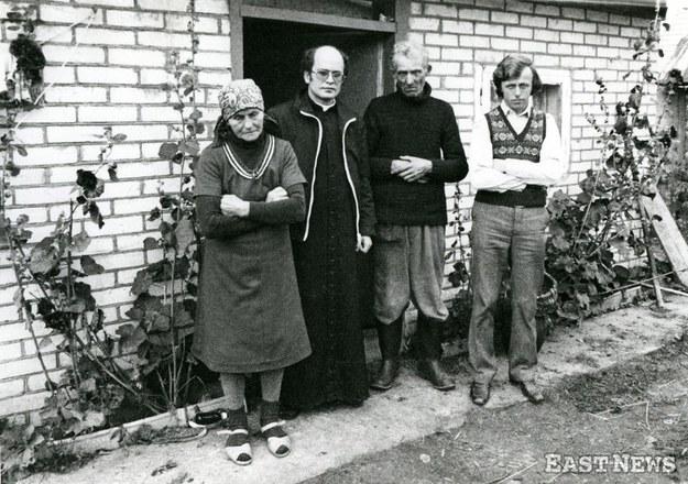 Rodzina księdza Jerzego Popiełuszki – ojciec Władysław, matka Marianna, brat Stanisław i ksiądz Stanisław Suchowolec /Karol Malcuzynski /East News