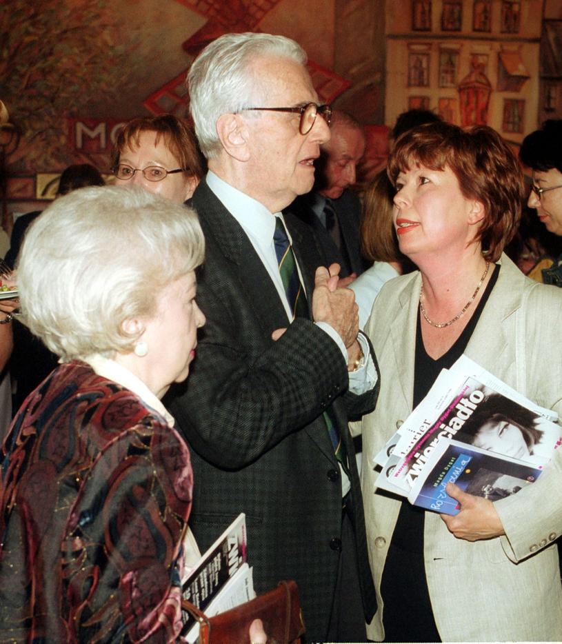 Rodzina Łapickich: Andrzej Łapicki z żoną i córką, 2001 rok /Wojtek Stein /Reporter