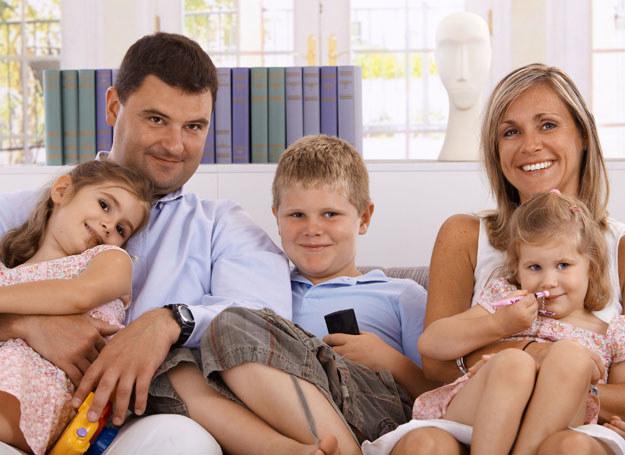 Rodzina nadal jest dla nas wartością /123RF/PICSEL