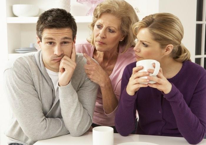 Rodzina nie lubi partnera /© Photogenica