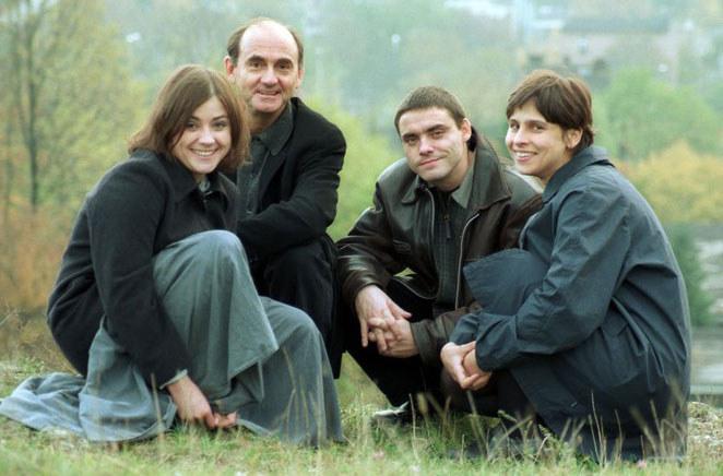 Rodzina Peszków. Od lewej: Maria, Jan, Błażej i jego żona Kasia, 1999 r.  /Agara J. Dyka /East News
