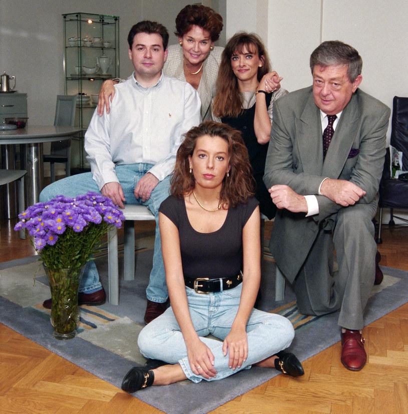 Rodzina Walterów: Piotr, Bożena, Sandra, Anna, Mariusz 1995 r. /Marek Szymański /Agencja FORUM