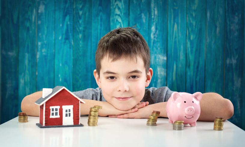 Rodzina z dwójką dzieci, w której łączny dochód wynosi 10 000 zł netto, może liczyć na ponad 1 mln zł kredytu hipotecznego /123RF/PICSEL