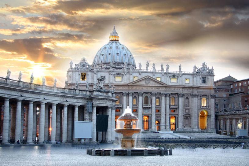 Rodzina zmieszkała niedaleko bazyliki św. Piotra na Watykanie /123RF/PICSEL