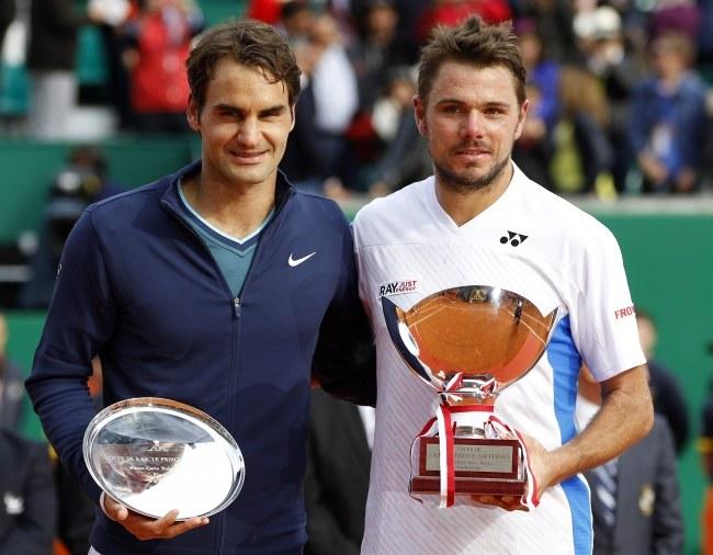 Roger Federer i Stanislas Wawrinka /PAP/EPA/SEBASTIEN NOGIER /PAP/EPA